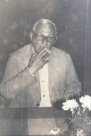 Enrique Molina. Por: Federico García. Medellín. 1981.